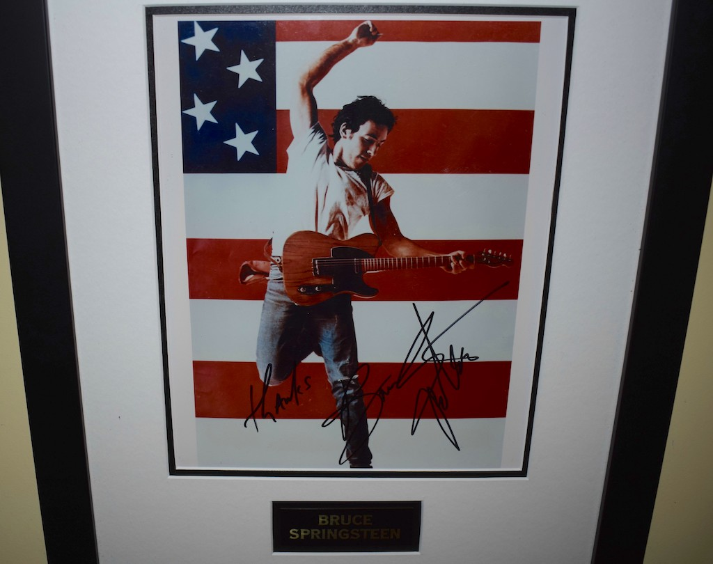 bruce springsteen signed 8x10 photograph rock star gallery rock star gallery. Black Bedroom Furniture Sets. Home Design Ideas