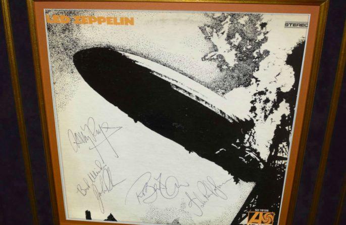 Led Zeppelin – Debut Release
