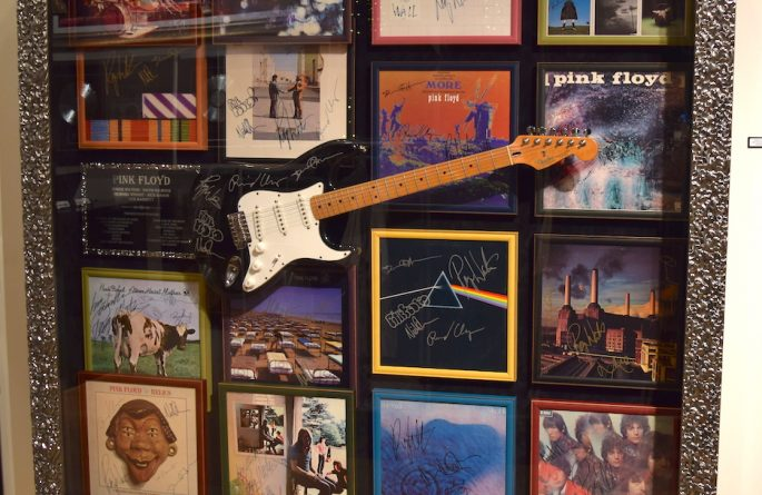 #1 Pink Floyd Signed Guitar Display
