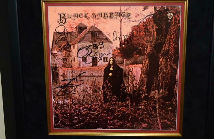 Black Sabbath – Debut