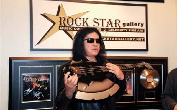 Gene Simmons has Meet and Greet at ROCK  STAR gallery.
