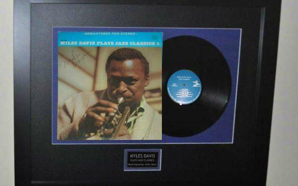 Miles Davis – Plays Jazz Classics