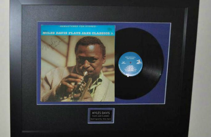 Miles Davis – Plays Jazz Classics