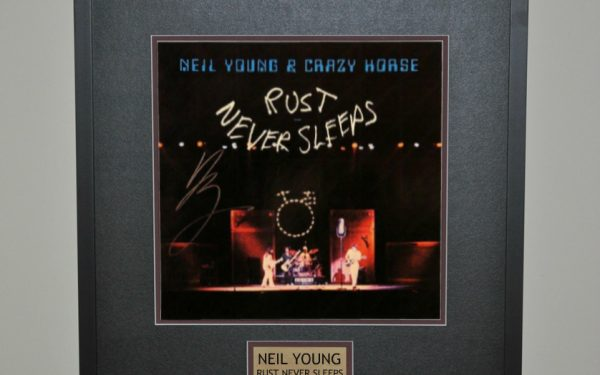 Neil Young – Rust Never Sleeps