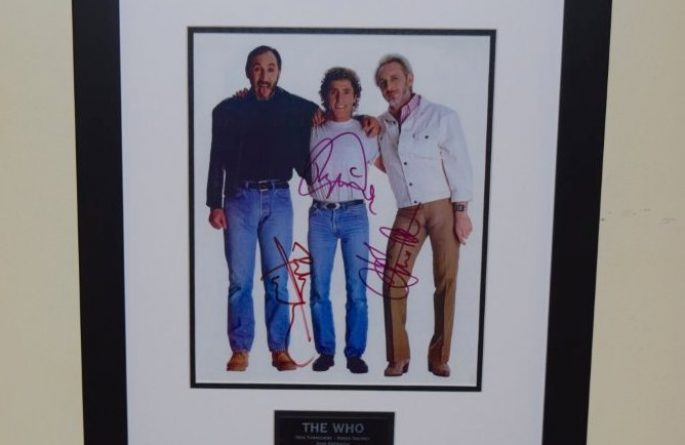 #1-Who Signed 8×10 Photograph