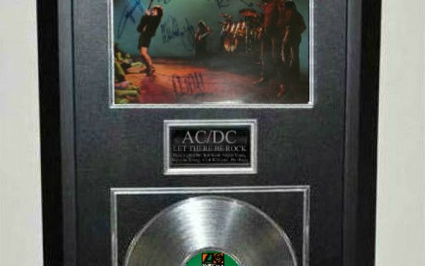 AC/DC – Let There Be Rock