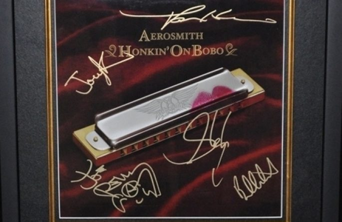 Aerosmith – Honkin On Bobo