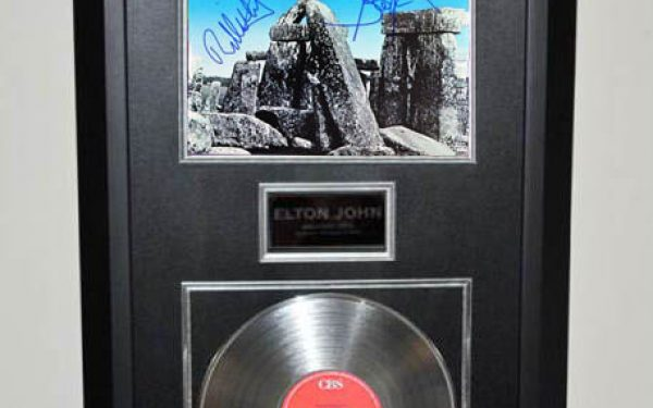 Aerosmith – Rock In A Hard Place