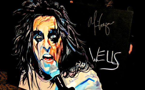 "Alice Cooper signs Wells painting of him ""INSANE"""