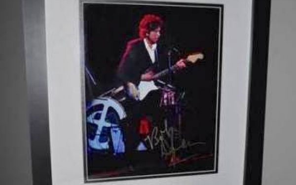 #12-Bob Dylan Signed 8×10 Photograph