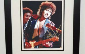 #11-Bob Dylan Signed 8×10 Photograph