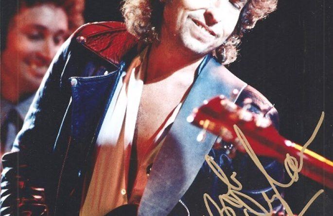#11-Bob Dylan Signed 8×10 Photograph