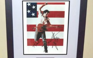 #11-Bruce Springsteen Signed 8×10 Photograph