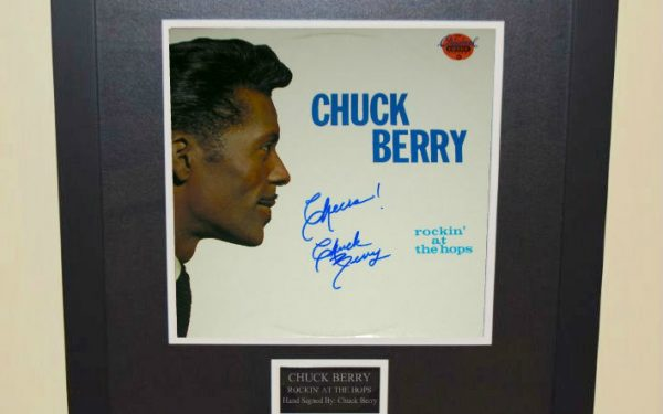 Chuck Berry – Rockin' At The Hops