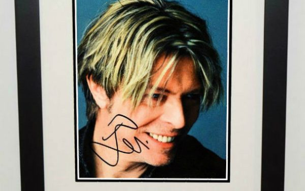 #5-Davis Bowie Signed 8×10 Photograph