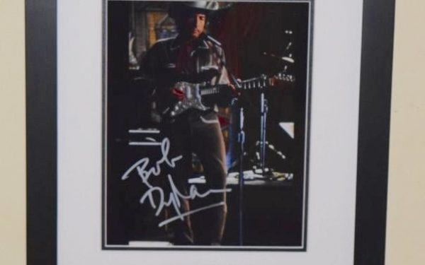 #8-Bob Dylan Signed 8×10 Photograph