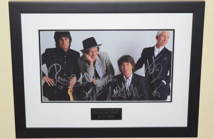#6-Rolling Stones Signed 11×14 Photograph