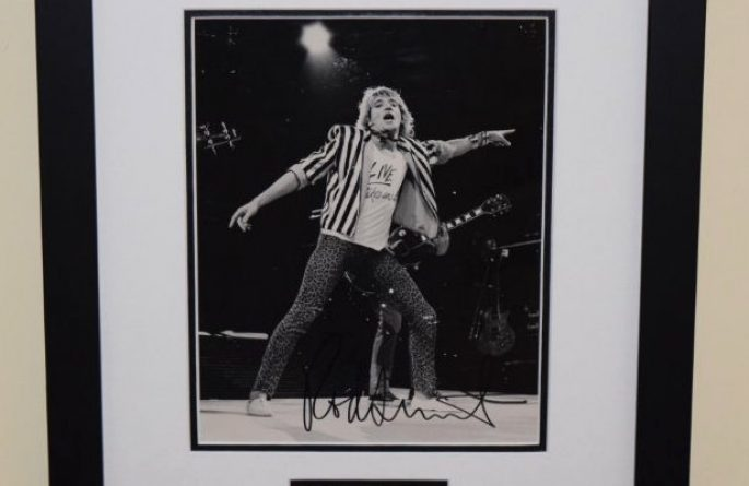 Rod Stewart Signed 8×10 Photograph