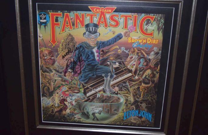 Elton John – Captain Fantastic