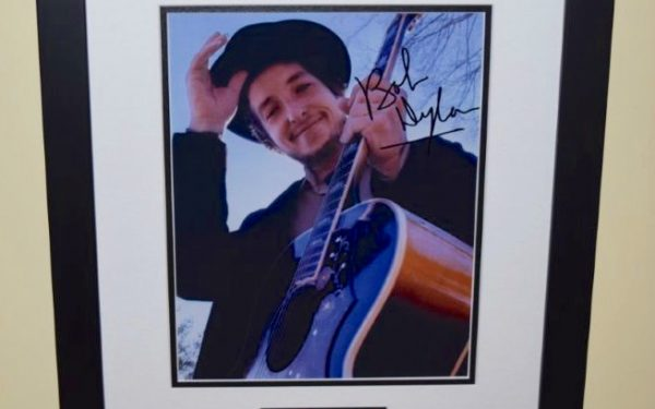 #4-Bob Dylan Signed 8×10 Photograph
