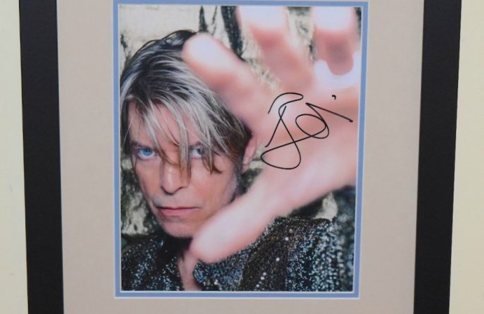 #2-David Bowie Signed 8×10 Photograph