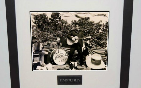 #4-Elvis Presley Signed Photograph