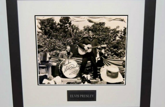 #4-Elvis Presley Signed 8×10 Photograph