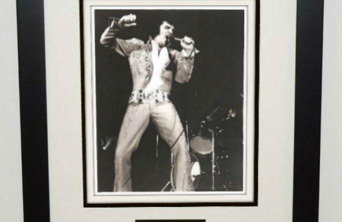 #5-Elvis Presley Signed 8×10 Photograph