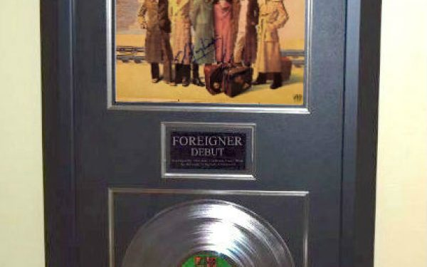 Foreigner – Debut