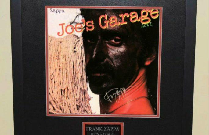 frank zappa joe s garage rock star gallery hand signed collectiblesrock star gallery. Black Bedroom Furniture Sets. Home Design Ideas