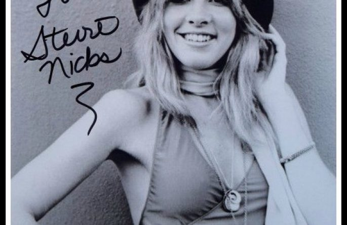 #2-Stevie Nicks Signed 8×10 Photograph