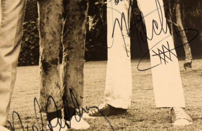 #2 Jimi Hendrix Signed 8×10 Photograph