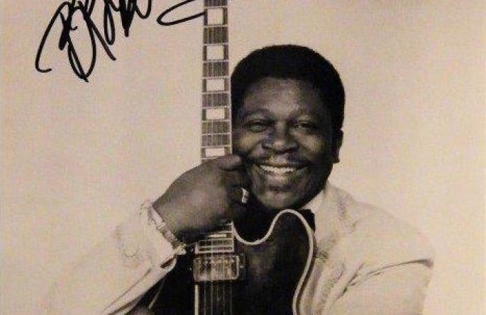 #4-BB King Signed 8×10 Photograph