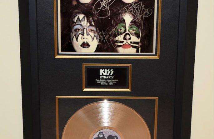 KISS – Dynasty