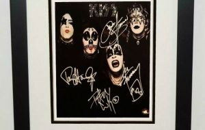 #1-Kiss Signed 8×10 Photograph