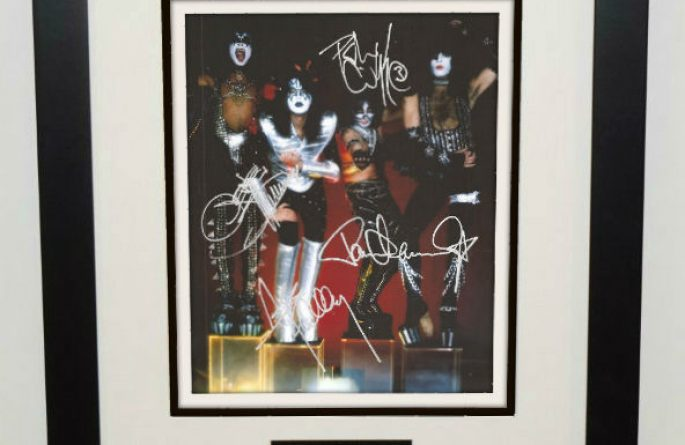 #4-Kiss Signed 8×10 Photograph