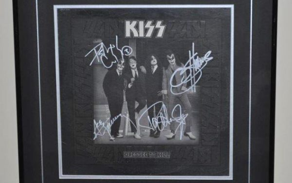 #1 KISS – Dressed To Kill
