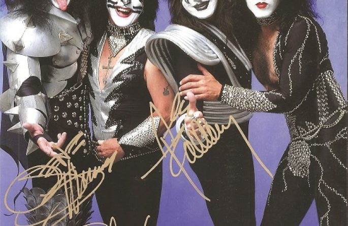 #3-Kiss Signed 8×10 Photograph