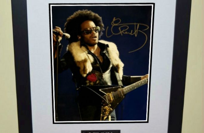 #2-Lenny Kravitz Signed 8×10 Photograph