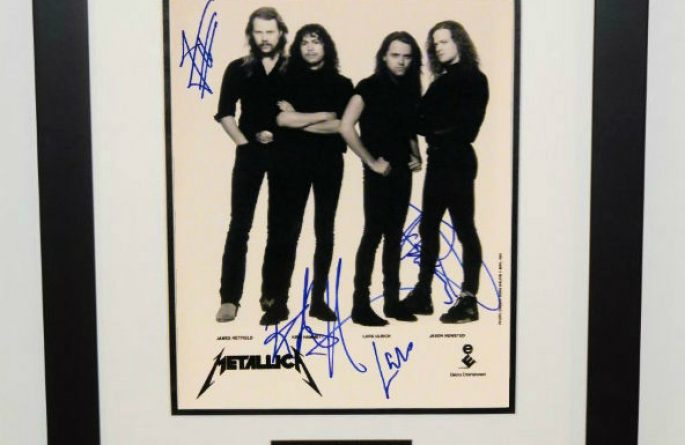 #1-Metallica Signed 8×10 Photograph