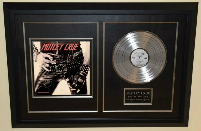 Motley Crue – Too Fast For Love