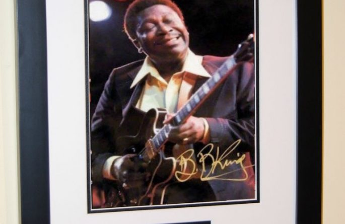 #2-BB King Signed 8×10 Photograph