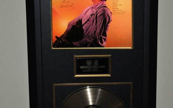 Elvis Presley – Debut
