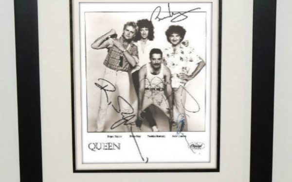 #2-Queen Signed 8×10 Photograph