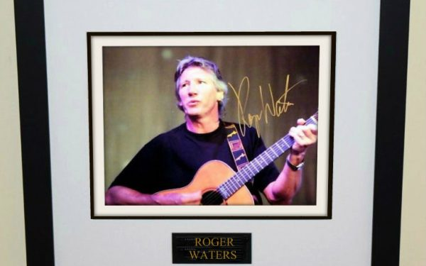 Roger Waters Signed 8×10 Photograph