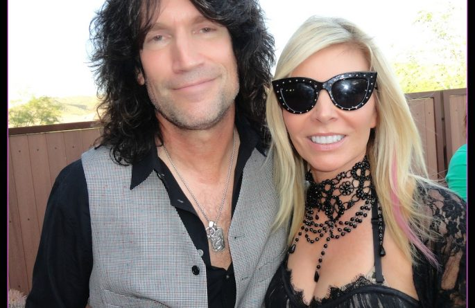 Artist, Stacey Wells with Tommy Thayer.