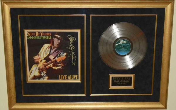 Stevie Ray Vaughan – Live Alive