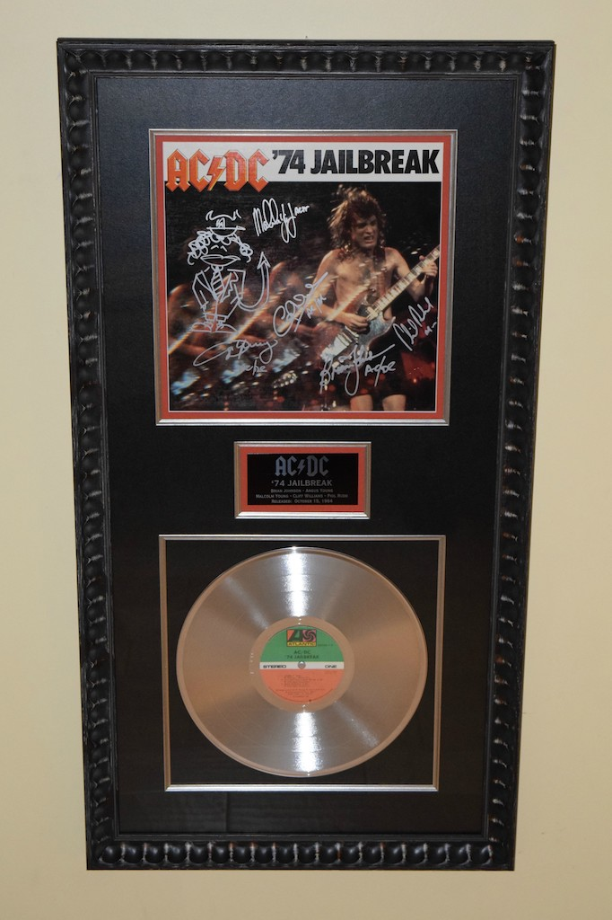 AC/DC '74 Jailbreak, Brian Johnson, Angus Young, Malcolm ...