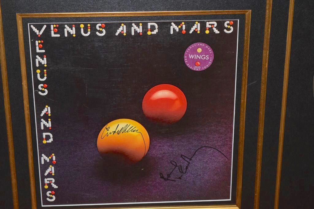 Paul McCartney – Venus and Mars, Paul McCartney, Linda