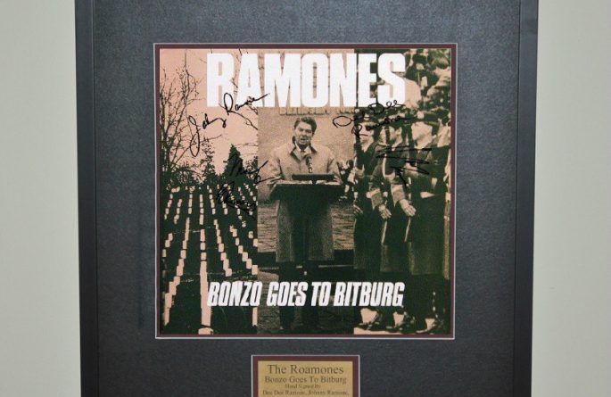 Ramones – Bonzo Goes To Bitburg